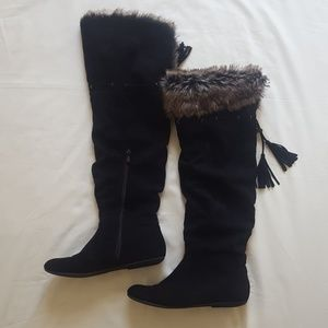 Knee-High Black Boots with Faux Interior - 8